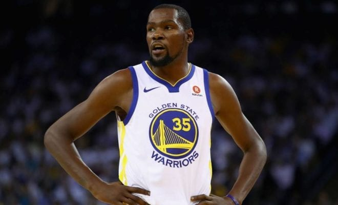 500cdf768f7c Kevin Durant believes he was targeted by a referee during the Golden State  Warriors  123-112 win over the New York Knicks at Oracle Arena on Tuesday