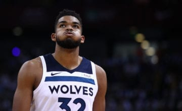 Karl-Anthony Towns looking to the sky
